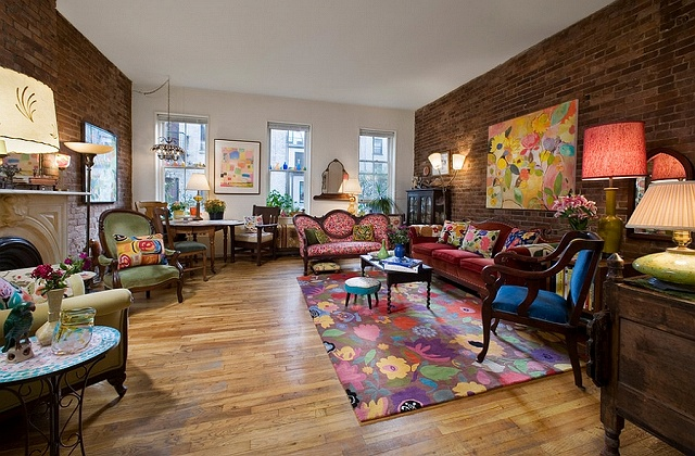 Fabulous-living-room-with-a-unique-style-of-its-own.jpg