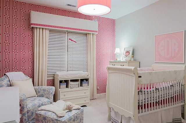 Fabulous-use-of-pink-wallpaper-in-the-nursery.jpg