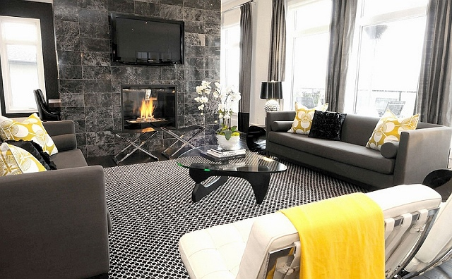 Gorgeous-black-and-white-living-room-with-interchangeable-accents.jpg