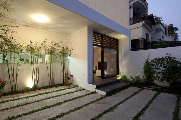 House-in-Go-Vap-by-MM++-Architects-13.jpg