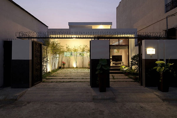 House-in-Go-Vap-by-MM++-Architects-15.jpg