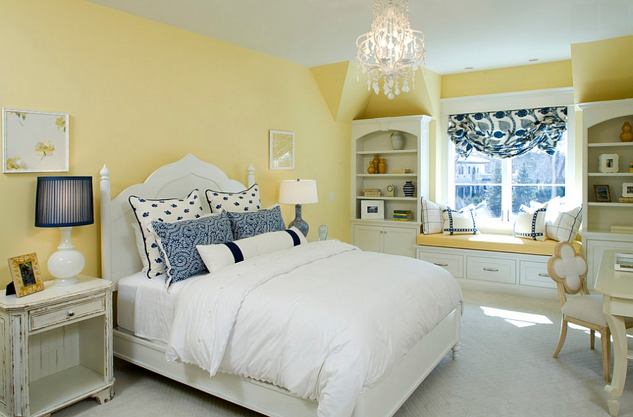 Mellow-Yellow-walls-give-the-traditional-bedroom-a-cozy-appeal.jpg