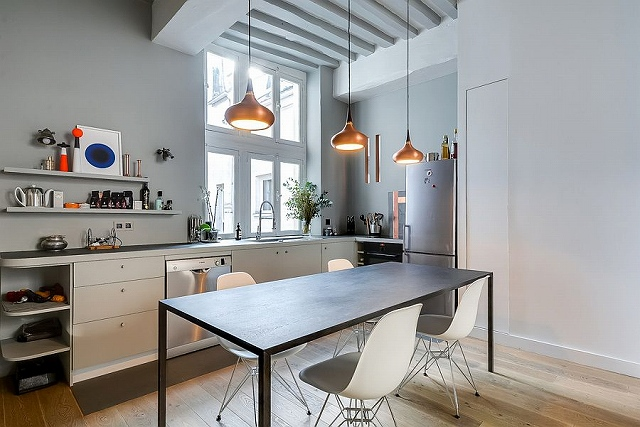 Open-shelves-and-sleek-design-give-the-corner-kitchen-a-modern-look.jpg