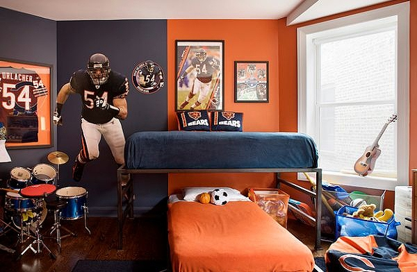 Orange-and-blue-bedroom-for-the-sports-fanatic.jpg