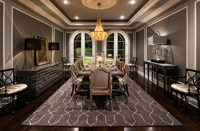 Stunning-Mediterranean-style-dining-room-in-gray.jpg