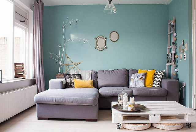 Stylish-living-room-filled-with-lovely-flea-market-finds.jpg
