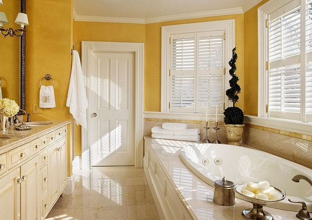 Traditional-bathroom-with-hints-of-Victorian-charm_20150313070722153.jpg