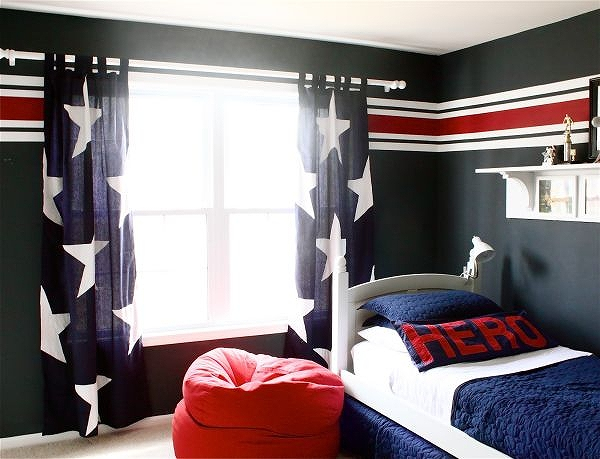 Walls-that-showcase-a-love-for-stars-and-stripes.jpg