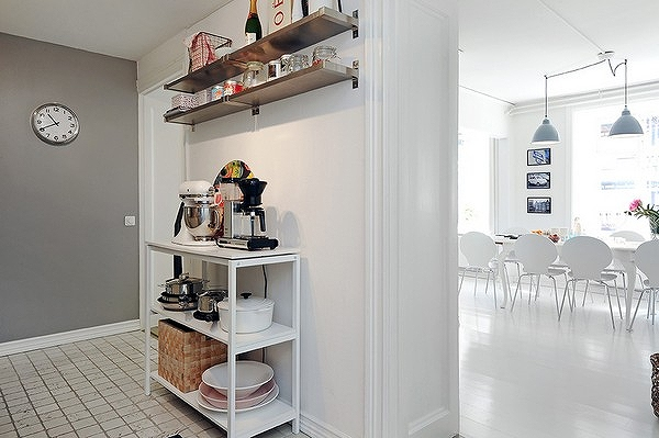 charming-apartmentFreshome27.jpg