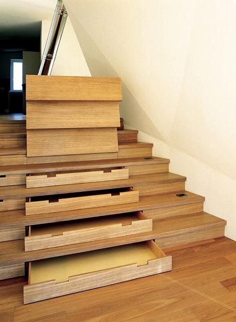 storage-space-stairs-19.jpg