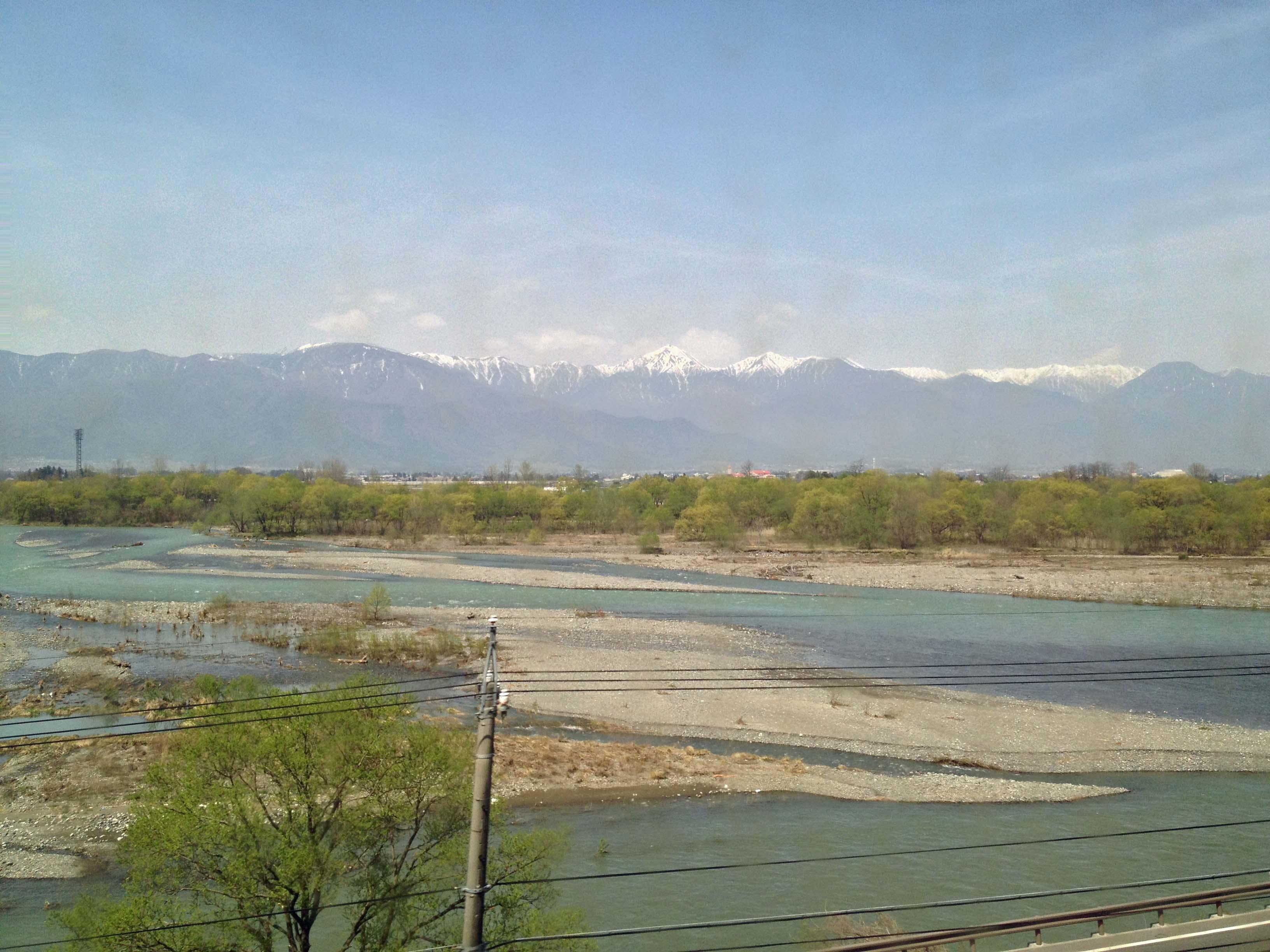 車窓からの槍ヶ岳穂高岳
