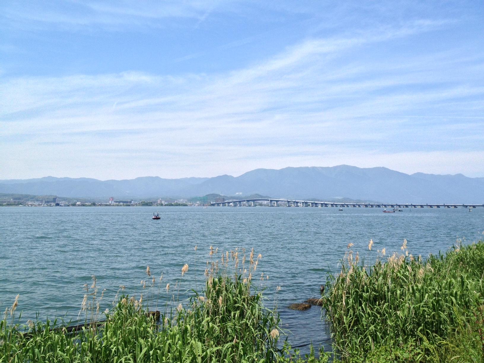 やましい気持ちで琵琶湖大橋を望む