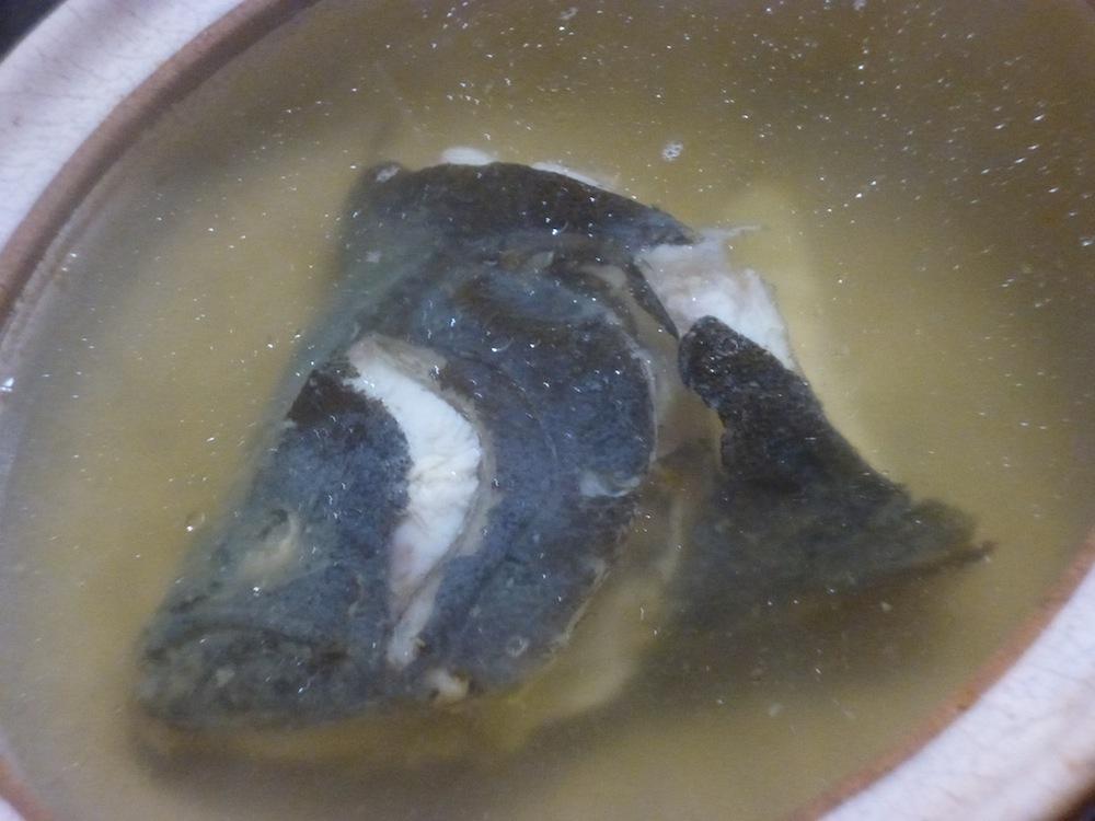 ヒラメの頭 煮る 鍋