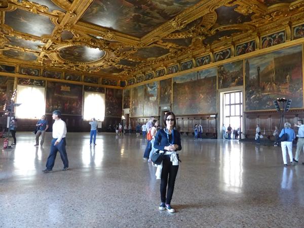 vドゥカーレ宮殿にて1
