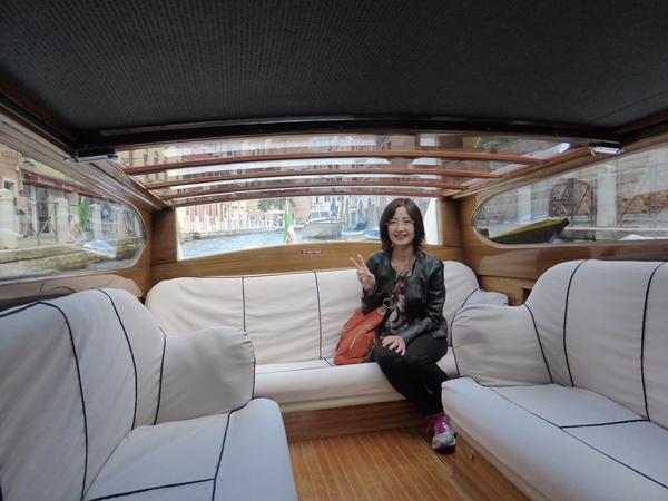 v水上タクシーで