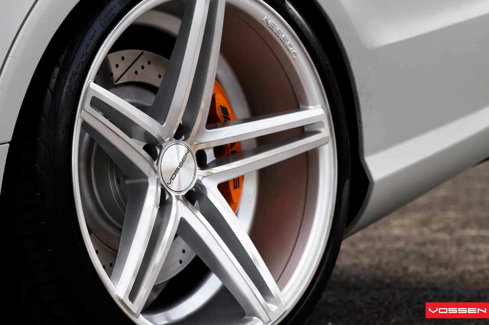 mercedes-benz-cls63-amg-on-vossen-wheels-photo-gallery_8.jpg