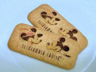 150627_3255友人のディズニーシー土産のクッキーVGA