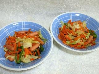 150703_3280ウィンナーの野菜炒めx2皿VGA