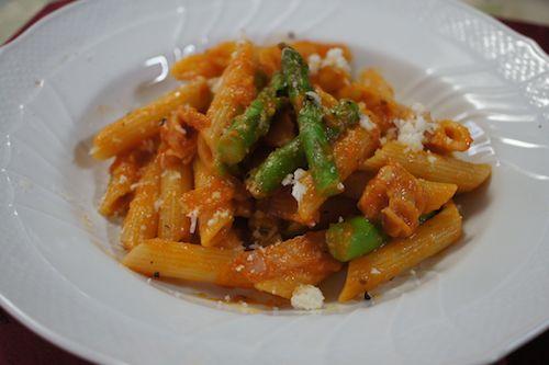 tomatosauce pennne asparagus4