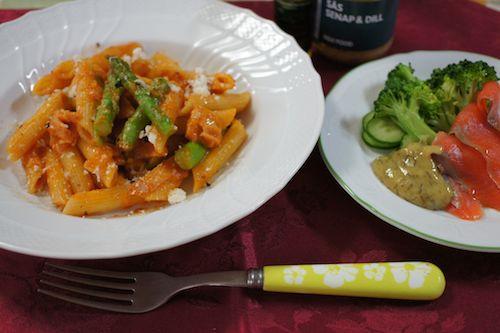 tomatosauce pennne asparagus5