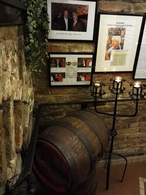 8 醸造所 地下のレストラン