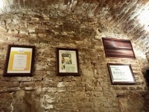 9 醸造所 地下のレストラン