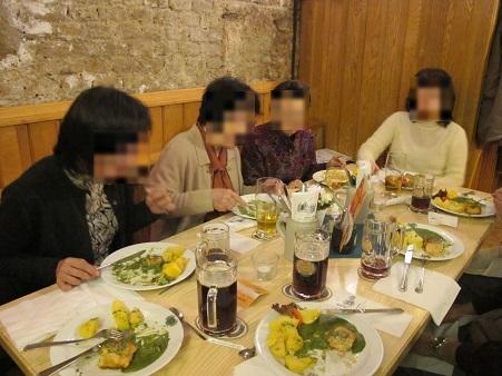 13 地下のレストラン
