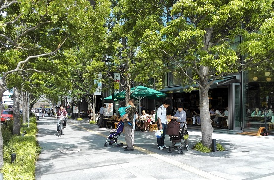 12 オープンカフェ