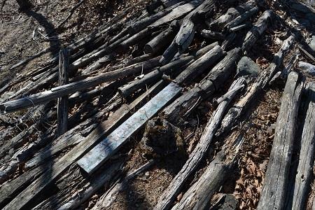 川苔山荘の残骸