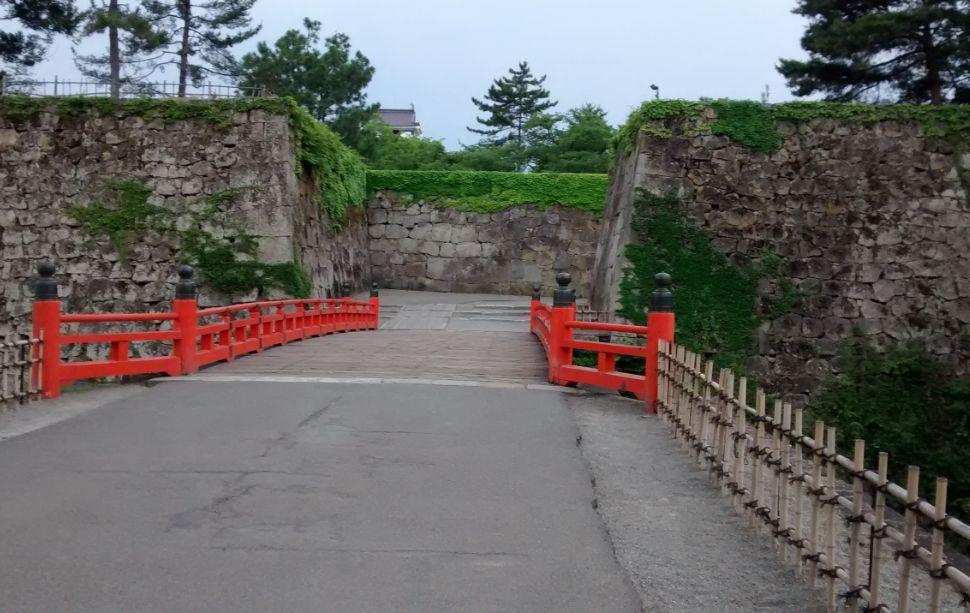 ① 鶴ヶ城(入口)