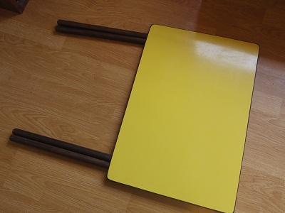 折り畳み式テーブル2