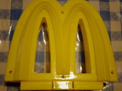 マクドナルドサイン3