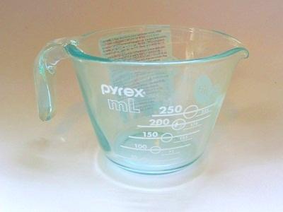 Pyrex100years メジャーカップ ホワイト2