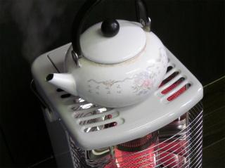 新しい灯油ストーブに買い換えました。