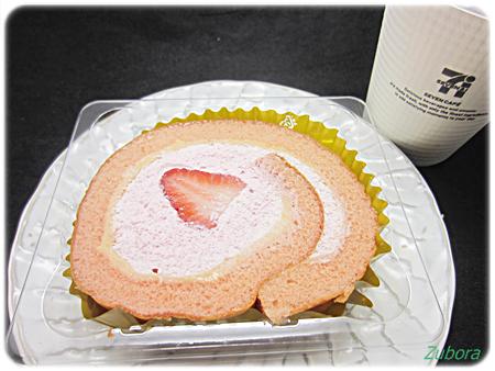 セブンイレブンのいちごのロールケーキ