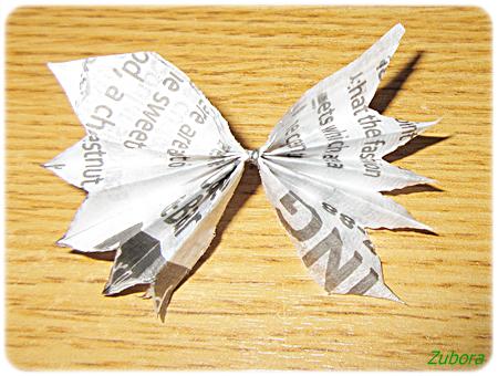 セリアの英字柄紙ナプキンでペパナプフラワー