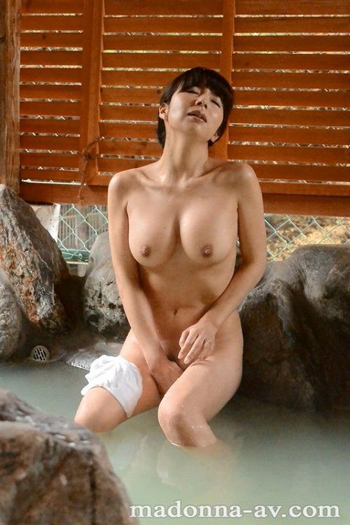 一条美香 美熟女Fカップ巨乳おっぱい画像b25.jpg