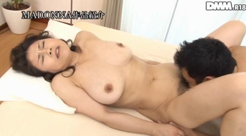 水野淑恵 熟女Gカップ巨乳おっぱい画像2a03.jpg