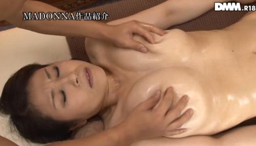 水野淑恵 熟女Gカップ巨乳おっぱい画像2a07.jpg