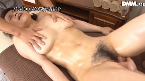 水野淑恵 熟女Gカップ巨乳おっぱい画像2a08.jpg