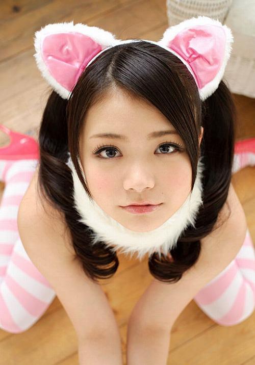 鶴田かな童顔巨乳Gカップおっぱい画像2a08.jpg