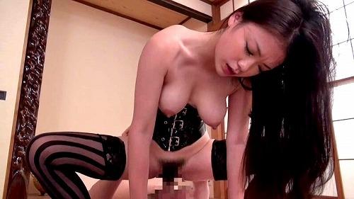鶴田かな童顔巨乳Gカップおっぱい画像3a12.jpg