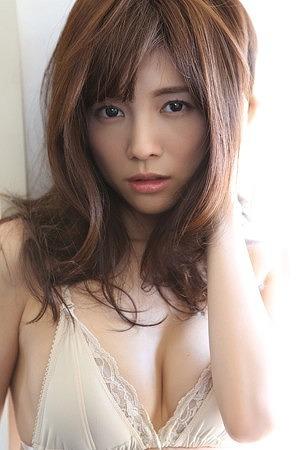 松川佑依子Eカップ巨乳おっぱい画像