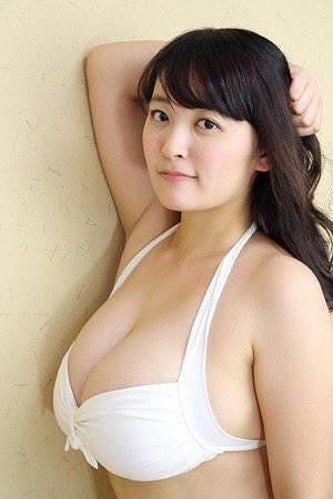 柳瀬早紀Iカップ爆乳おっぱい画像3b08