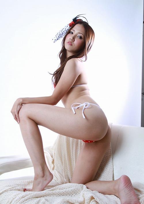 友田彩也香巨乳おっぱい画像c02