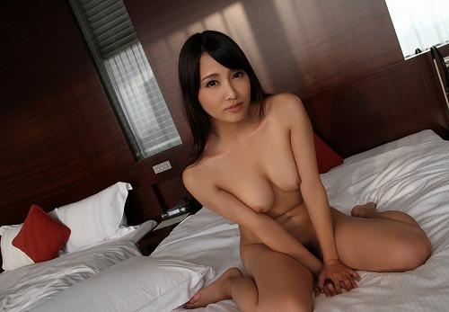 友田彩也香巨乳おっぱい画像c21