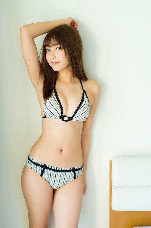 佐野ひなこ巨乳水着おっぱい画像a09