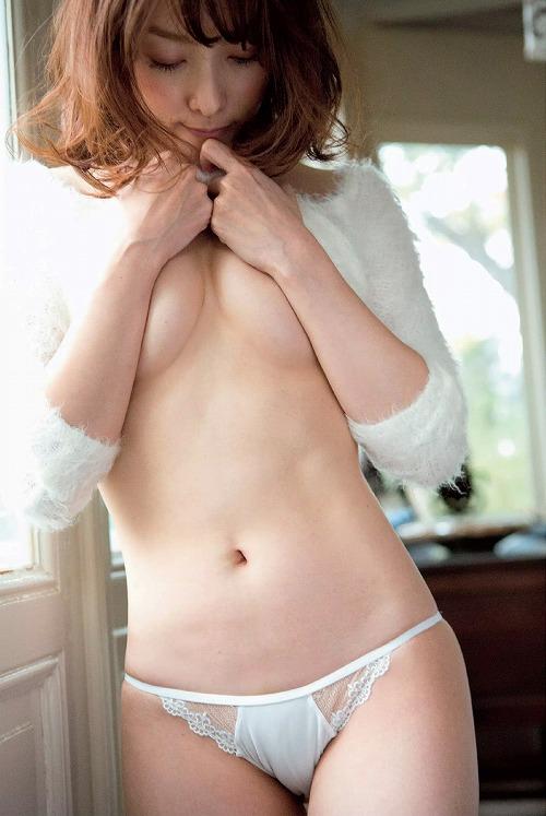 柴田かよこセミヌードおっぱい画像