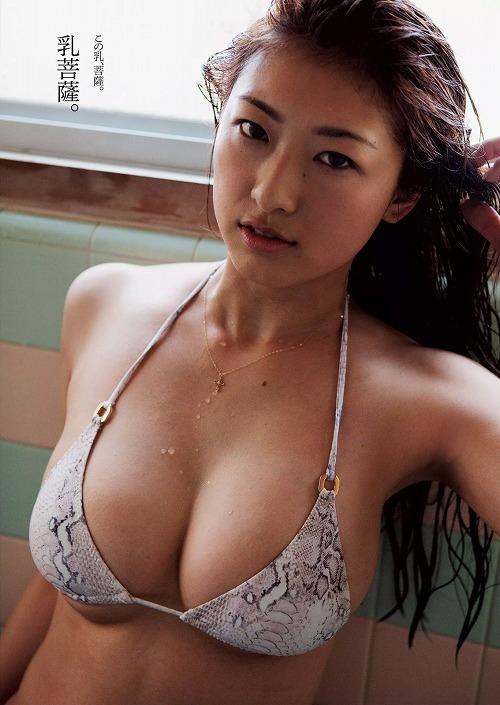 安久澤ユノ手ぶら巨乳画像b09