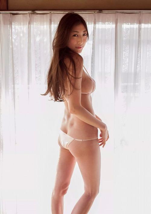 安久澤ユノ手ぶら巨乳画像b10